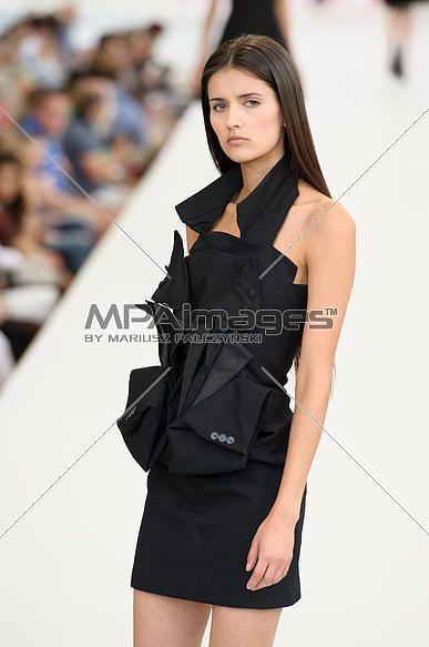 Warsaw Fashion Street - Magda Arlukiewicz - Model Anna Sakowicz  Fot. Mariusz Palczynski / MPAimages.com