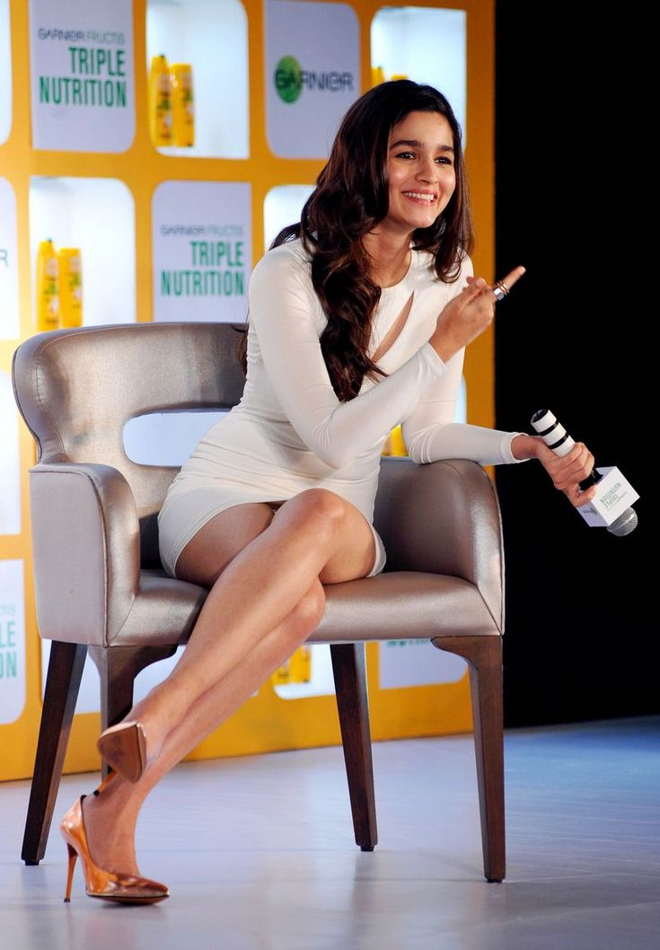 Alia Bhatt showed off her luscious locks and long legs in a cute white mini dress at the launch of Garnier Fructis Triple Nutrition shampoo and conditioner in Mumbai. For exclusive picture, click http://momoviez.com/