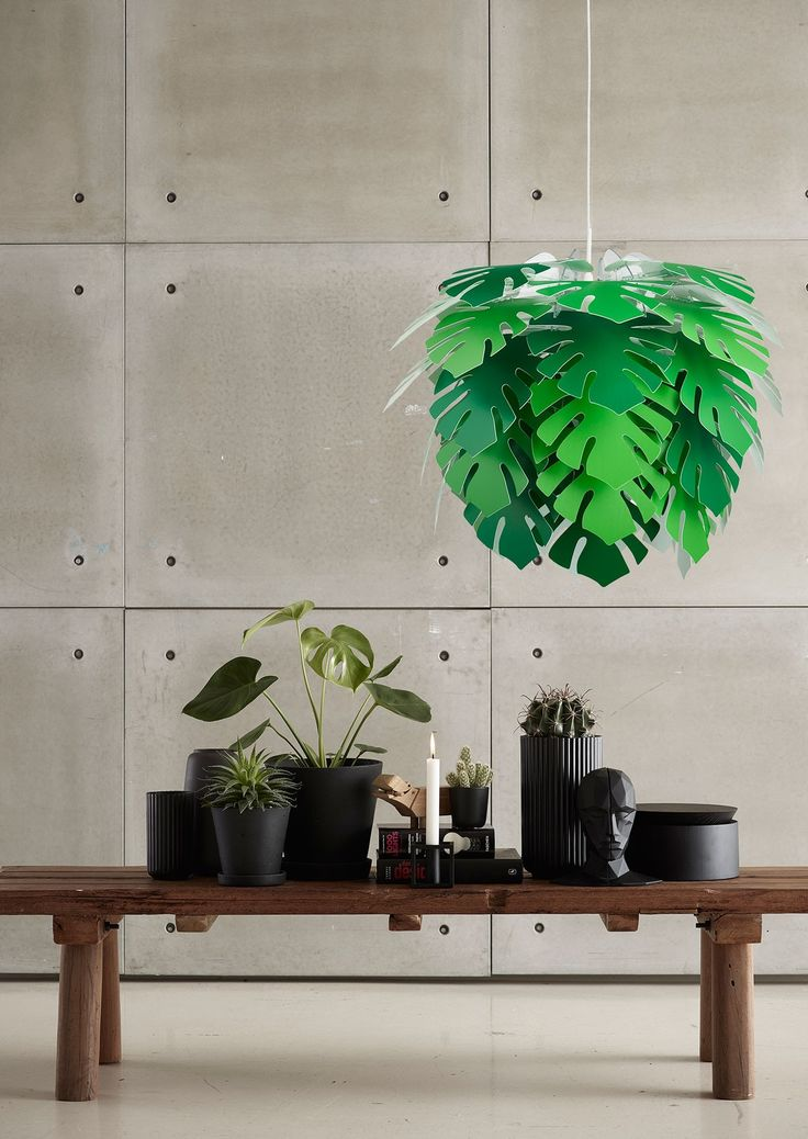 This dazzling Illumin Philo Pendant Light by Dyberg Larsen is made from layers of angular polypropylene leaves which elegantly cascade.