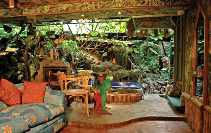 Super Vip Laguna Azul Inspirada en la película homónima, invita a explorar el amor en una isla desierta. Donde los limites de espacio y tiempo son inexistentes, solo hay lugar para el amor. Dimensiones:50 mts. Aprox. Precio Normal:$ 59.500 Precio Especial:$ 69.500  Valores Reserva   Precio: $138.500