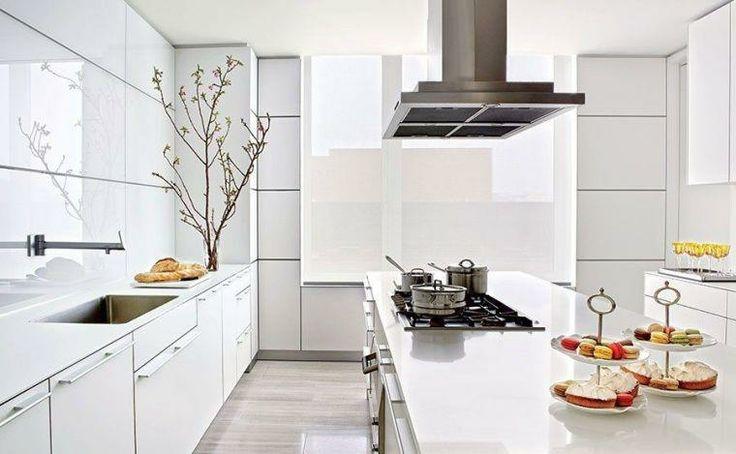 muebles de color blanco en la cocina