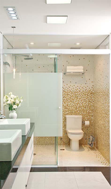 Banheiros: boxes com abertura inteligente para aproveitar o espaço - Casa