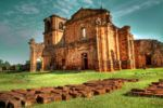 Da catedral construída pelos Jesuítas no século XVII, só sobraram as ruínas