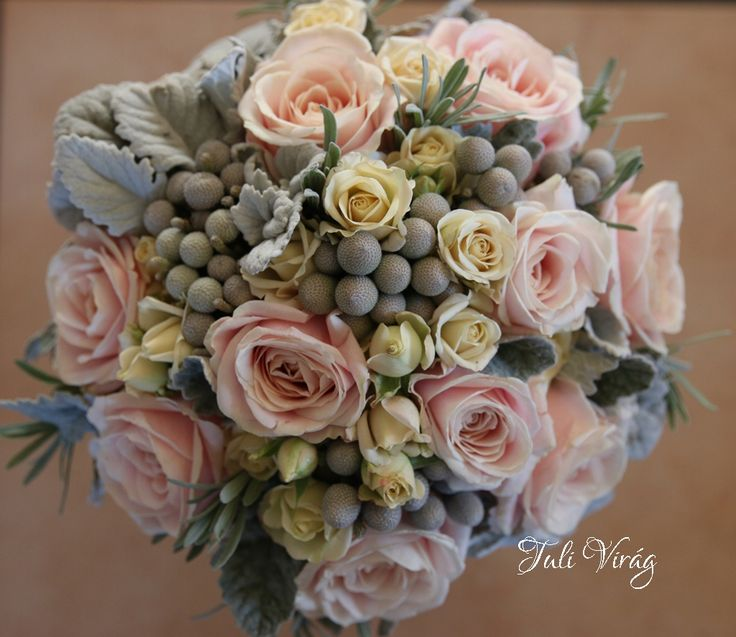 #wedding  #flowers #bouquet #rustic #winter #roses