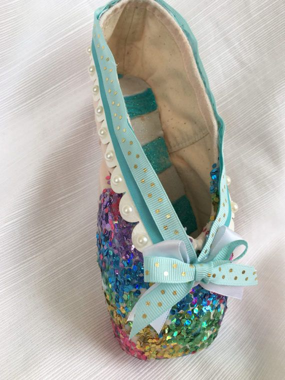Somewhere Over the Rainbow pointe shoe