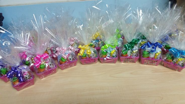reused shopkins baskets. DIY mini easter basket