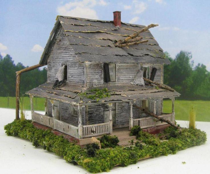 Haunted House~ Abandoned House~ Miniature 1:87 HO Scale Diorama