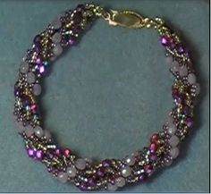 Double Spiral Rope Chain (NOT Dutch spiral) - full tute to do with any combo of beads in outer loops.  #Seed #Bead #Tutorials