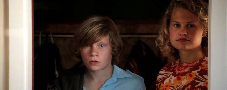 """Den fagre nye voksenverden er ved at åbne sig for Martin (Villads Bøye) og Kristine (Kraka Donslund Nielsen) i Niels Arden Oplevs fine """"Kapgang"""". Foto: Nordisk Film"""