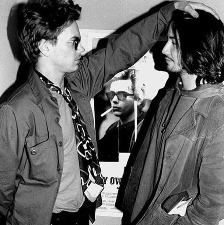 Rare picture of River Phoenix and Keanu Reeves - My Own Private Idaho