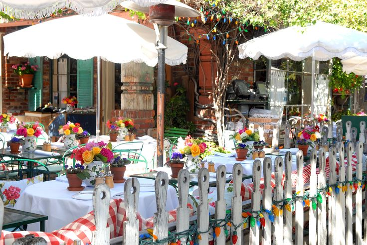 Pops of color everywhere, love the lights!!! The Ivy Restaurants in Los Angeles & Santa Monica