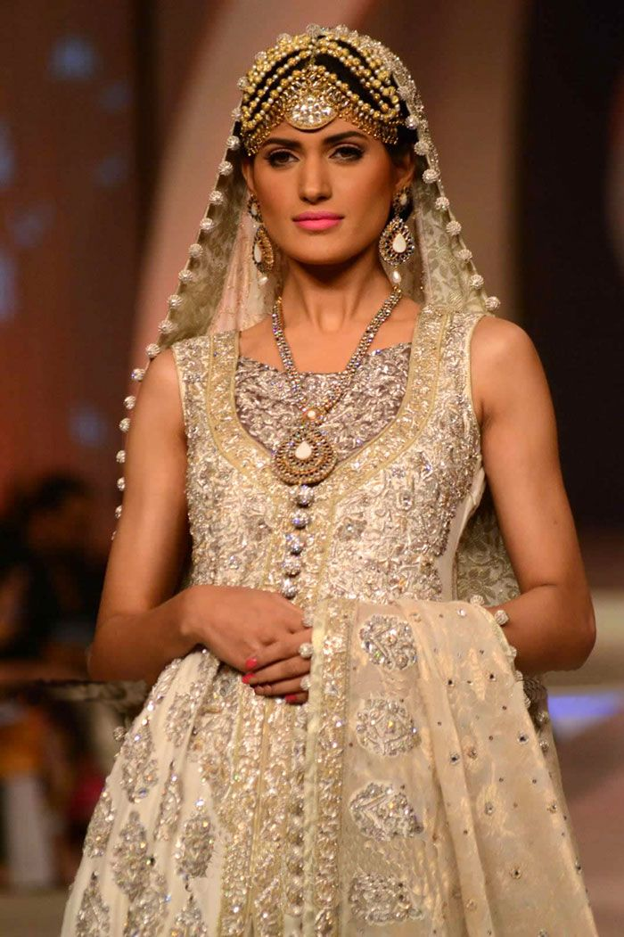 Zainab Chottani Bridal Dresses 2013 -2014 Collection, Zainab Chottani Latest Wedding Lehenga Collection 2013 -2014 London, Nayna Manchester, Leicester, Toronto, Chicago, Nayna California, Texas, Washington D.C. by www.libasgallery.com #Lehenga, #MuslimWedding, www.PerfectMuslimWedding.com