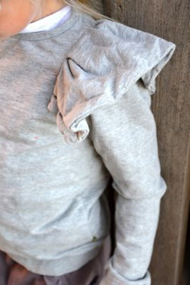 Grey sweatshirt | peplum | girl