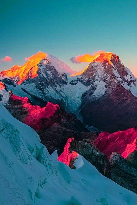 ✯ Sunrise over Llanganuco Valley, Cordillera Blanca Range, Peru.\