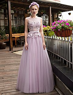 Formal Evening Dress A-line Scoop Sweep / Brush Train Lace / Tulle withAppliques / Beading / Bow(s) / Crystal Detailing / Flower(s) / – USD $ 455.00