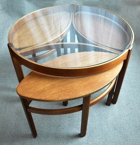 Round nesting side table design #nestingsidetables side tables #moderndesign living room design #modernlivingroom the living room . Visit our blog www.coffeeandsidetables.com