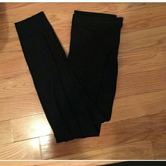 Armani Exchange Armani Exchange black leggings with two pockets with zipper on the front. Armani Exchange Pants Leggings