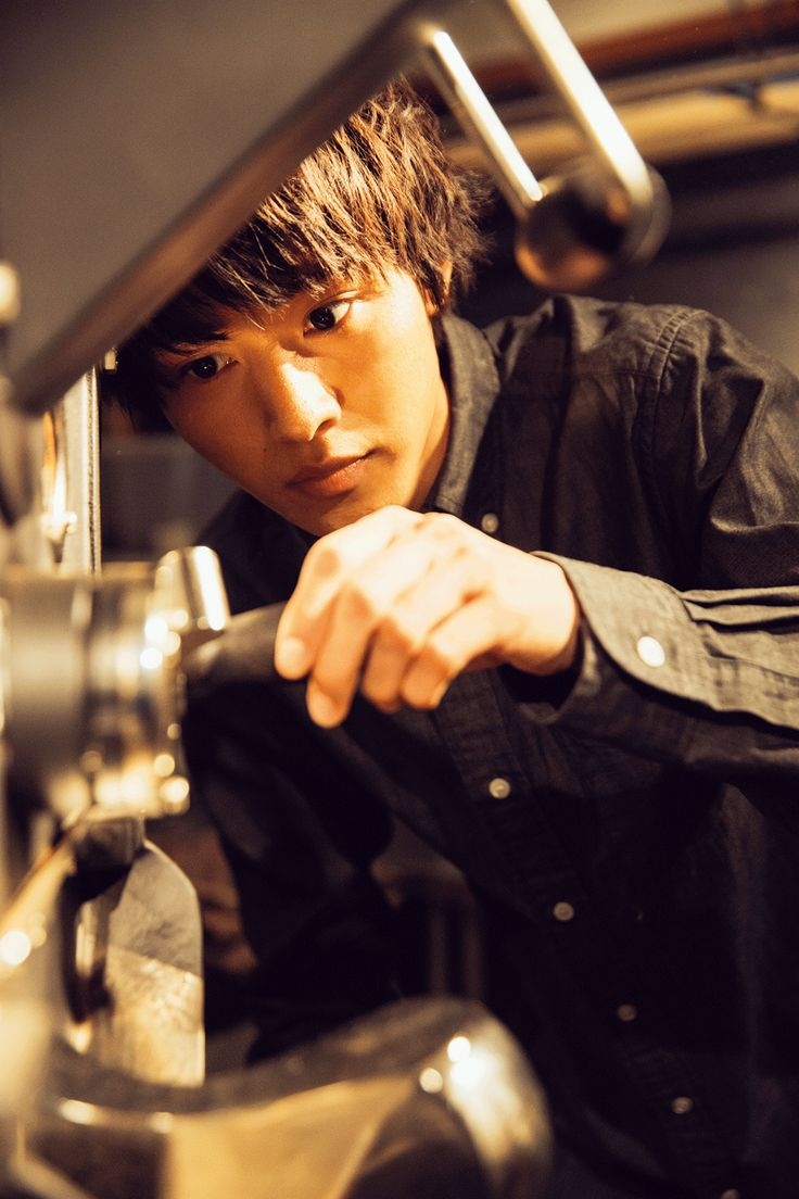Kento Yamazaki, making coffee, The Television #20, 2015 https://www.youtube.com/watch?v=Qn3IJ2gJ6Ak