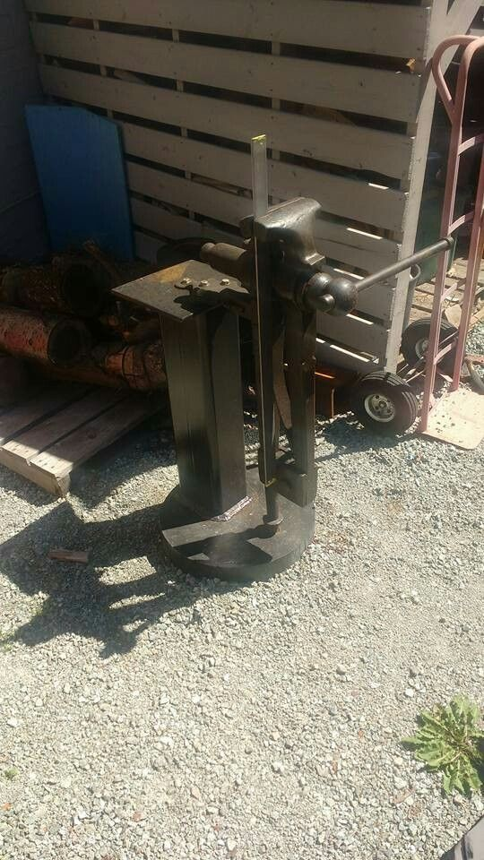 """7.5"""" Peter Wright post vise"""