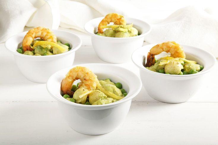 Una ricetta colorata, sfiziosa e appagante che accosta il gusto equilibrato di 4 ingredienti principali: lattuga, mazzancolle, piselli e avocado. Una ricetta da provare!
