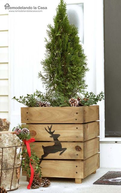 Christmas Porch Decor - DIY Wooden Planters with deer silhoutte