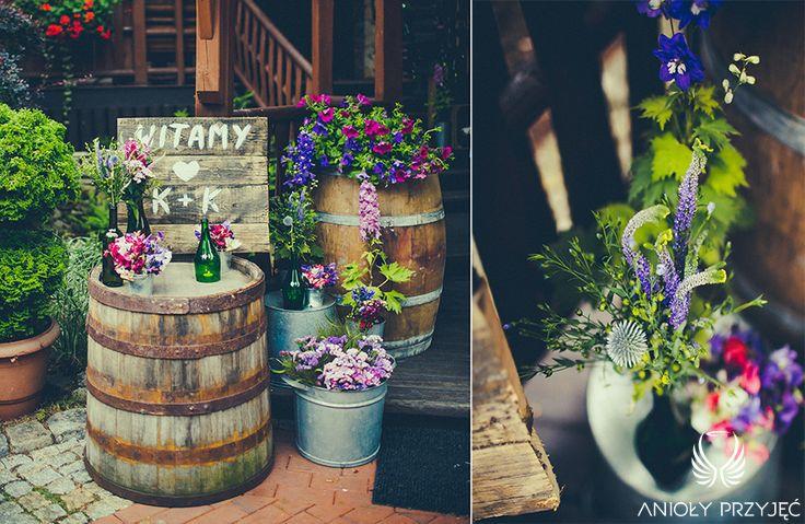 1. Lavender Wedding,Rustic decor,Barrels,Wedding sign,Entrance / Wesele lawendowe,Rustykalne dekoracje,Beczki,Anioły Przyjęć
