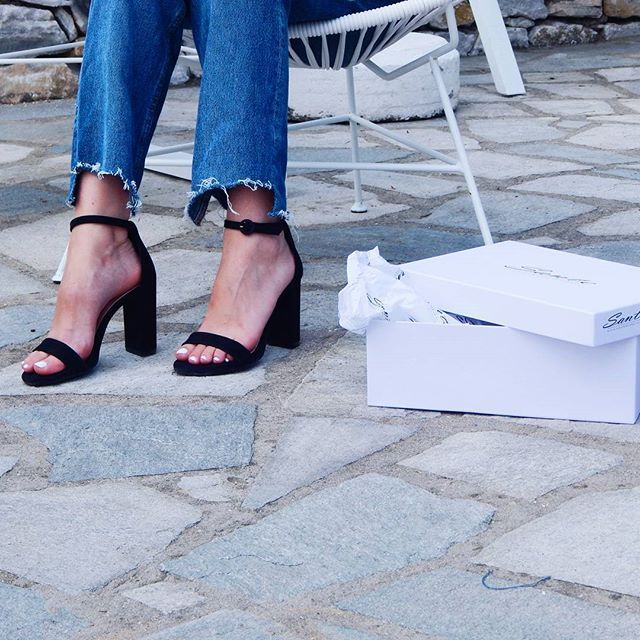 Love with one pair of shoes (via: @oksiblueberry) #SanteGirls #SS17 Shop #SALES in stores & online (SKU-95591):  www.santeshoes.com