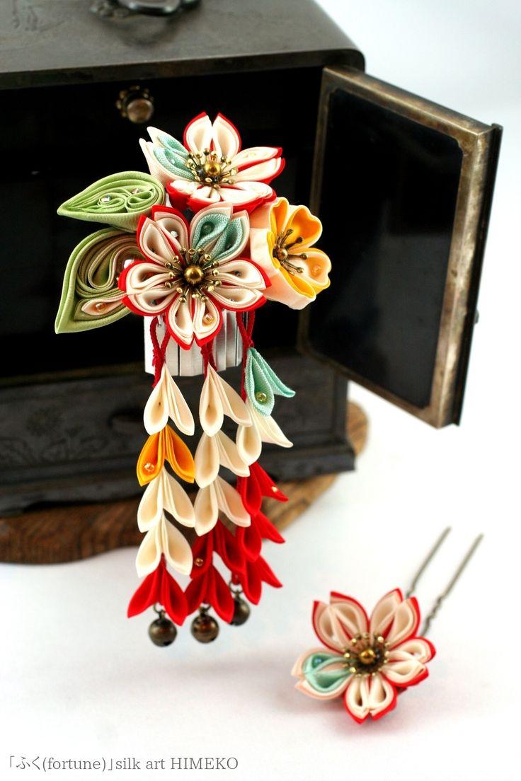 つまみ細工「ふく(fortune)」● silk art HIMEKO facebookpage https://ja-jp.facebook.com/himekosilkart ● http://www.a-yarn.com/