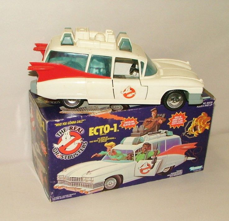 % 1986 KENNER THE REAL GHOSTBUSTER ECTO-1 CAR  IN ORIGINAL BOX #Kenner