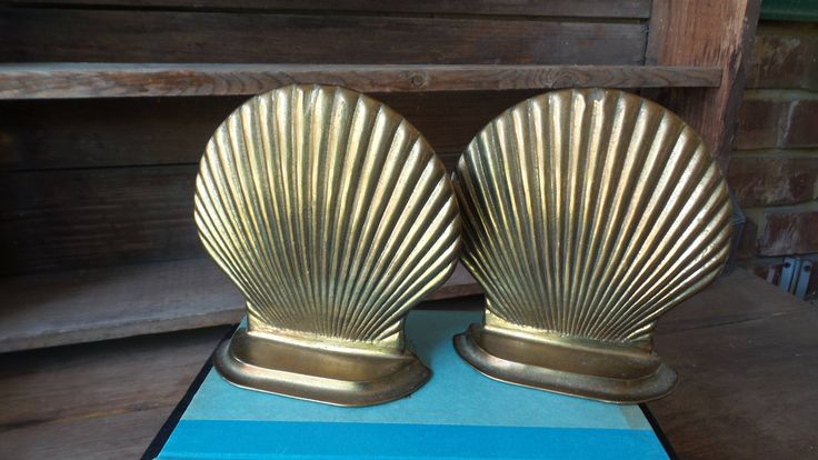 Retro BRASS SEASHELL BOOKENDS, Brass Bookends, Beach Home Decor, Vintage Shell Bookends, MidCentury Brass, Hollywood Regency Brass Bookends by PixieGoes2Market on Etsy