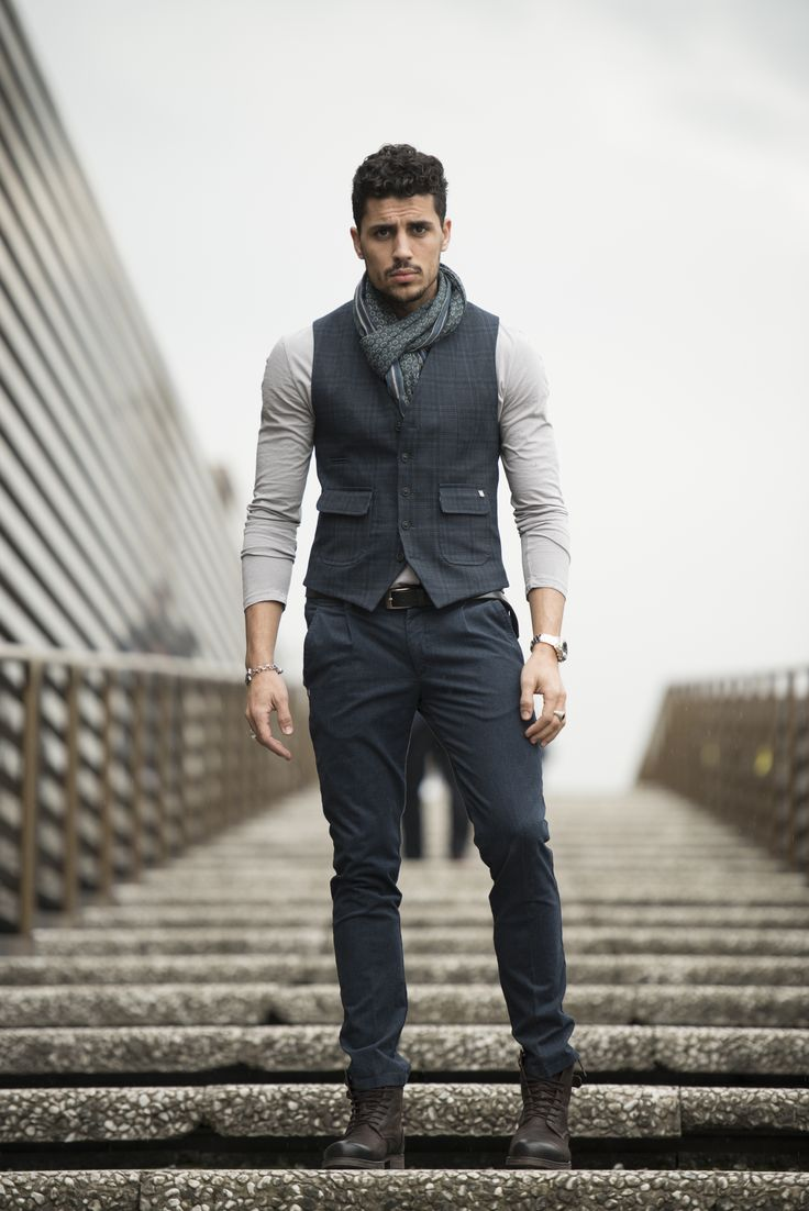 #pantalone #40weft uomo e #gilet. Uno stile tra casual ed eleganza metropolitana. #fashion