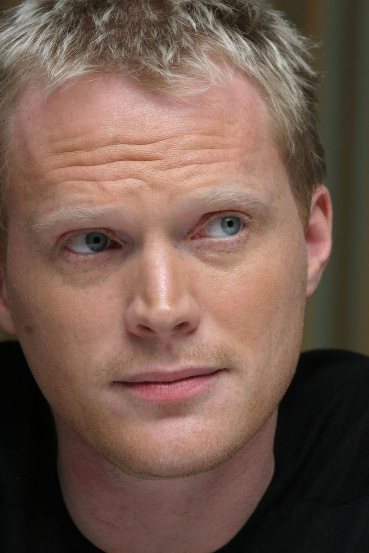 Paul Bettany...he handles comedy and drama so well! incredible actor...