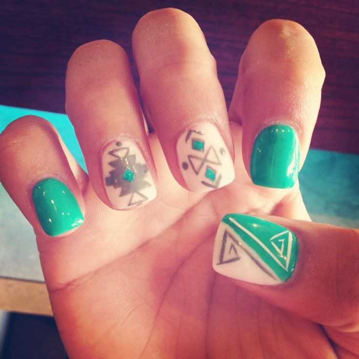 Aztec nail art in a pretty blue shade - Best 25+ Western Nails Ideas On Pinterest Western Nail Art