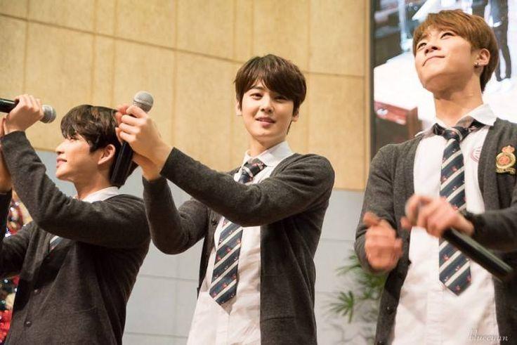 [29.12.15] Baekwoon Middle School - MyunGjun, EunWoo e MoonBin