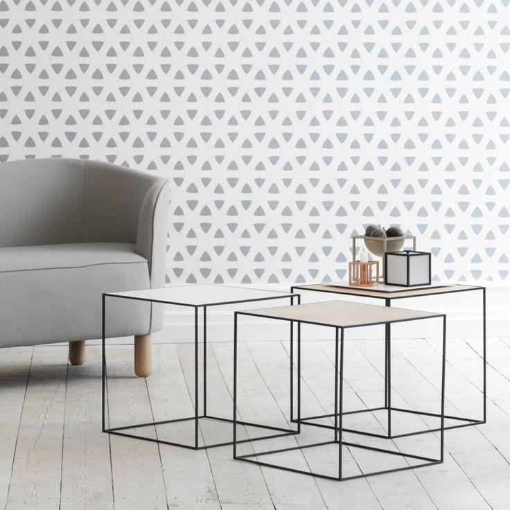 https://www.svenssons.se/p/bord/soffbord-och-småbord/twin-table-bord-mässing/misty-green-svart-stativ/70000037701
