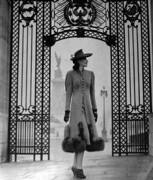 1938 Vogue UK #EasyNip
