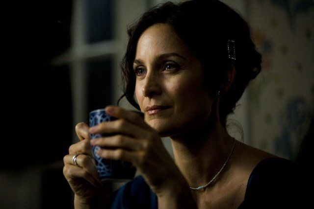 Pictures & Photos of Carrie-Anne Moss - IMDb