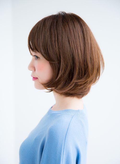 大人可愛いひし形ボブスタイルです。ばっさりカットしても似合わせます。どこから見ても頭の形が綺麗に見えますくせでお悩みの方、是非ご相談ください。大人可愛い 大人ボブ ひし形ボブ 似合わせカット ワンカール ベージュカラー 小顔 斜めバング シースルーバングRamieスタイリストページhttp://garden-hair.jp/ghc/list.html?shop=shop-ramie&mode=designerHP・・http://ramie.jp/