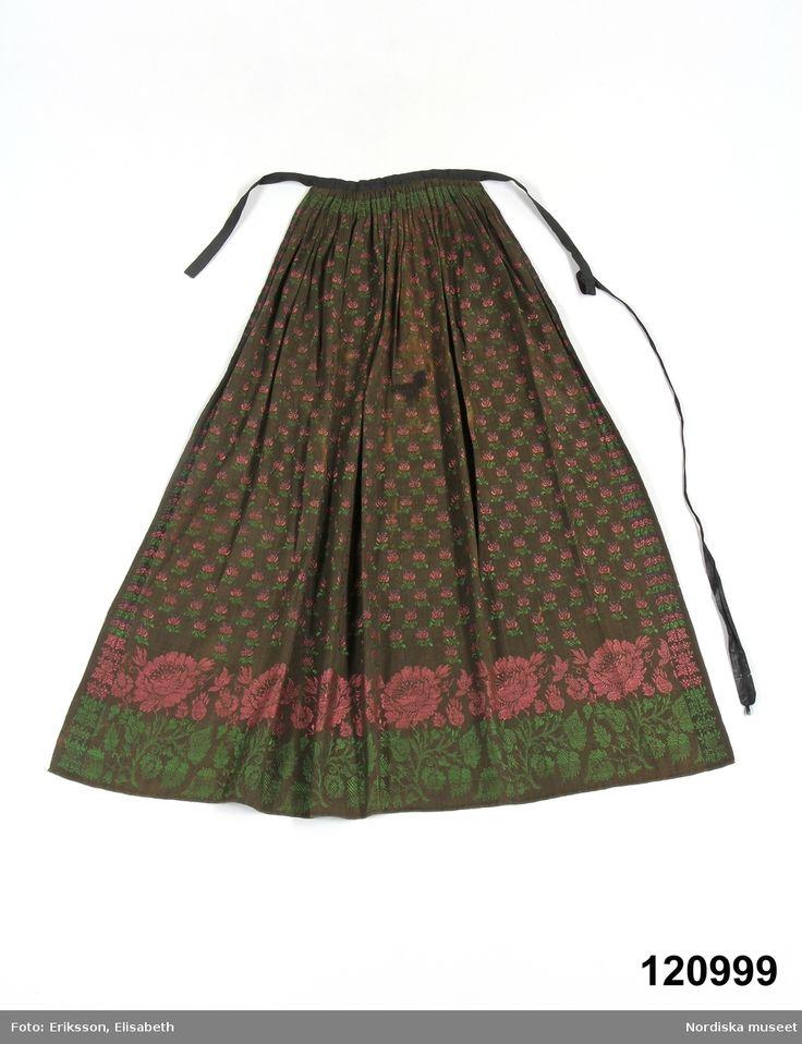 Förkläde, ett brudförkläde  i halvsiden med avpassat mönster. Öland.