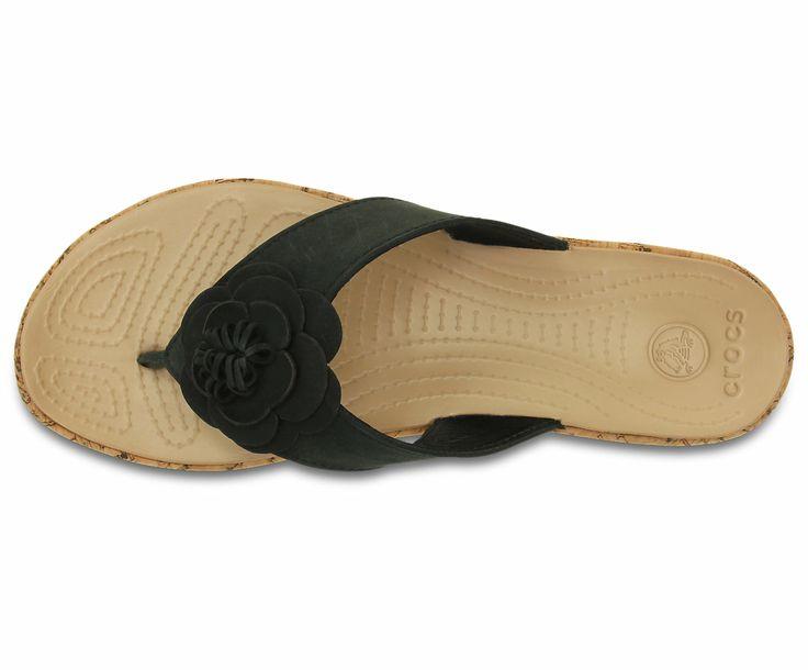 28 best shoes images on pinterest slipper casual for Crocs fleurs