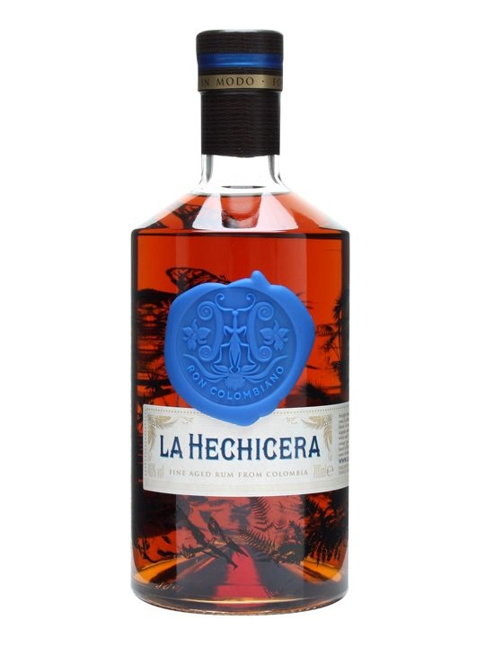 La Hechicera Rum : Buy Online - The Whisky Exchange - A Colombian rum sourced and selected by the Riascos. blended from spirit matured for between 12 and 21 years in white oak. We are also reliably informed that it's pronounced 'etch-ee-seh-rah' and t...