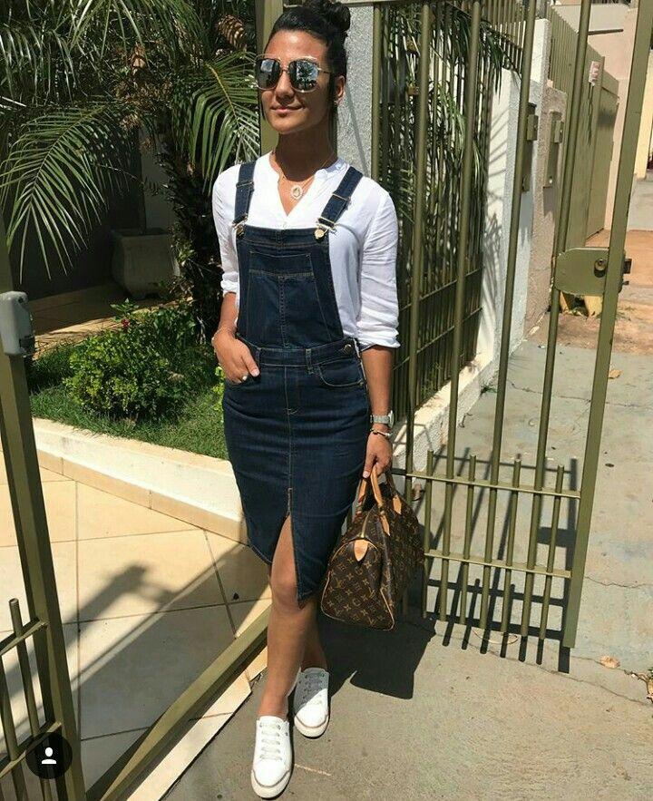 8e50cfb3e  modaevangelica  assembleiana  inspiraçao  cristã  mulher  top   lindasemservulgar  fotografia  mulherpoderosa  jardineira  blusa  jeans