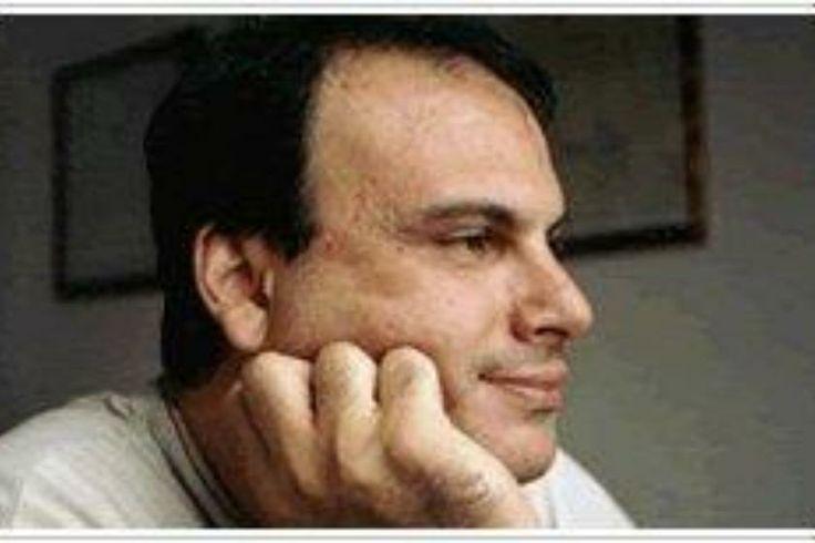 Nikos Moshovos' page on about.me – http://about.me/nikolaosmoschovos