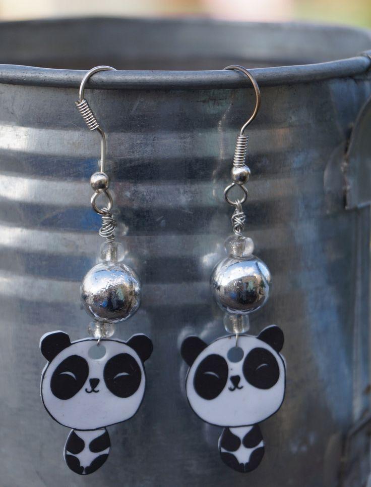 Boucles d'oreilles panda - plastique fou : Boucles d'oreille par mamzelle-etc