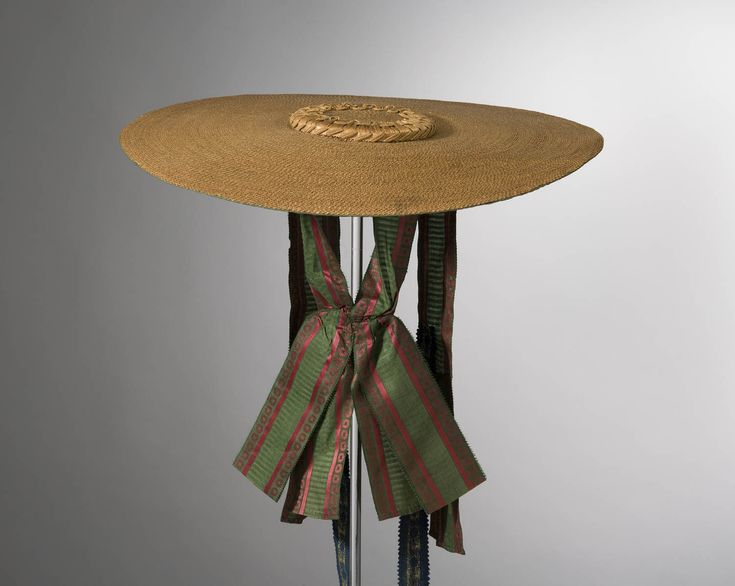 Detail lining, bergère, Netherlands, c.1725-1775. Straw hat with green and red striped silk ribbons, fully lined with cotton (indienne fabric).