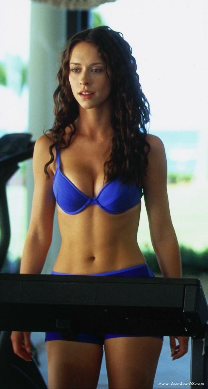 hewitt-strikes-back-over-bikini-shots