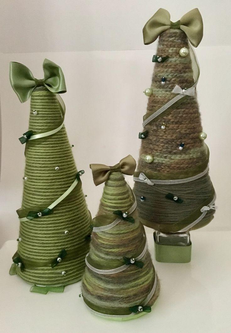 Alberi di Natale, polistirolo, lana, perline e nastrini