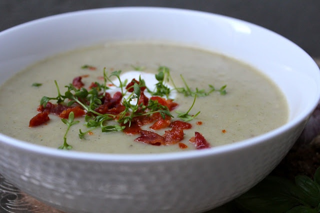 Cremet kartoffel/porre suppe
