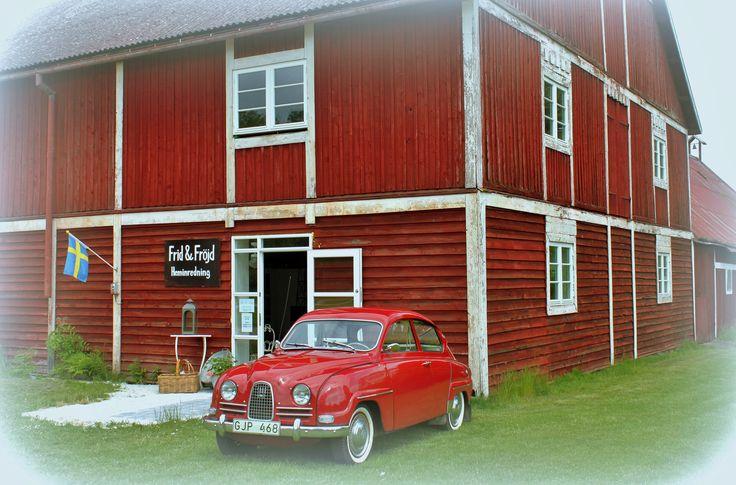 Frid & Fröjd Stockamöllan öppnade sista helgen i maj 2014. Dörrarna öppnas och verksamheten går igång utan någon invigning, reklam eller marknadsföring.