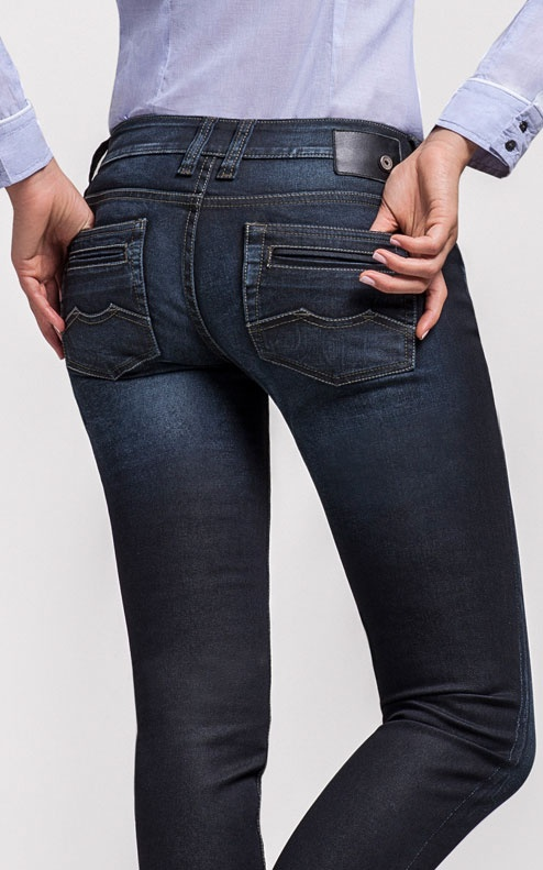 http://www.chevignon.com.co/DenimGirl.php